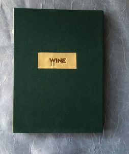 livraison-exposed-spine-wine-tasting-journal-front-view